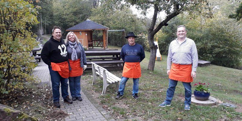 Ein Herbstlicher Sonntag Auf Der Edelweisshütte In Gondsroth